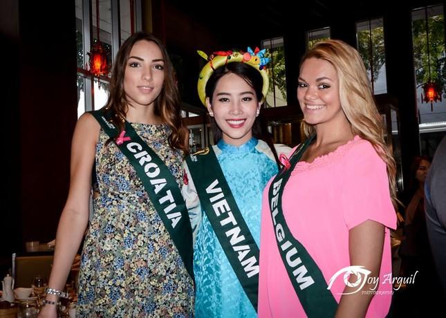 Nam Em mang áo bà ba cách điệu lạ mắt tới Hoa hậu Trái đất ảnh 10