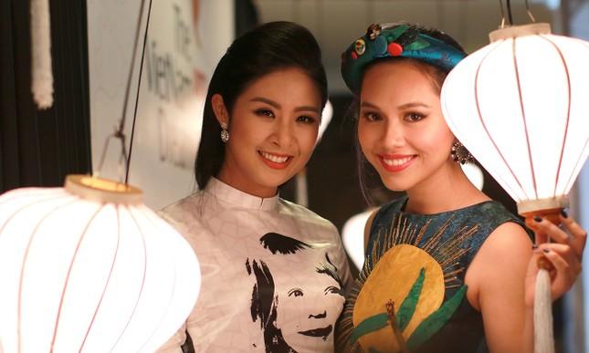Á hậu Hoàng My về nước dự tiệc từ thiện cùng Ngọc Hân ảnh 3