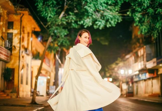 Mỹ Tâm đẹp lung linh trong đêm mùa đông Hà Nội ảnh 4