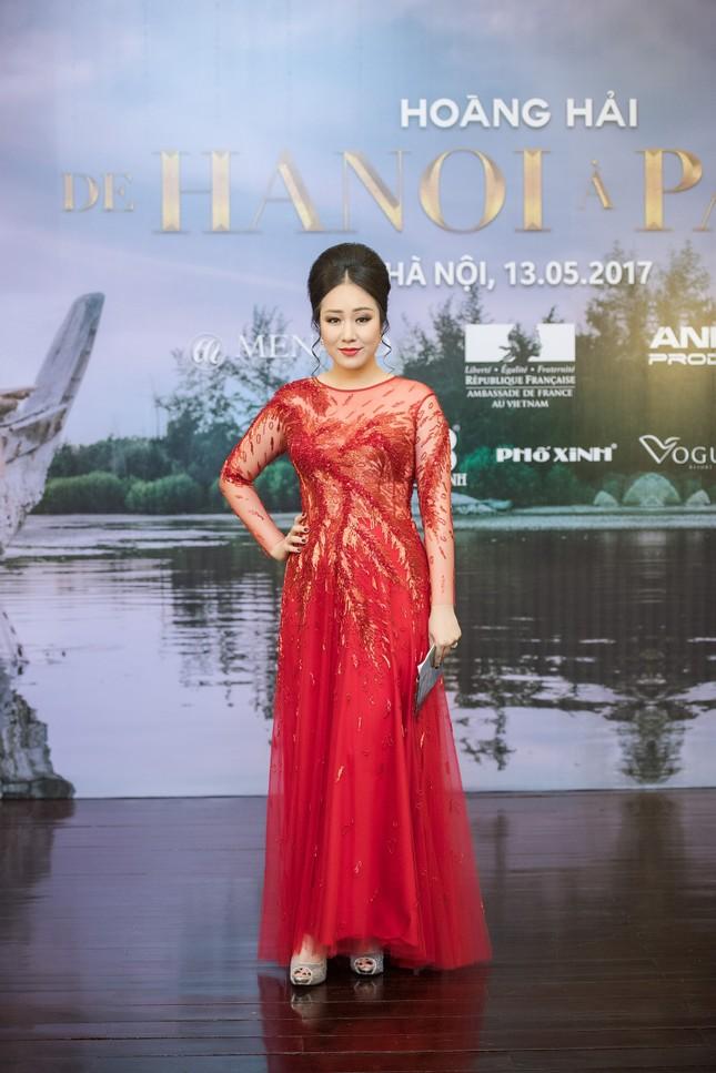 Hoa hậu Ngô Phương Lan được chồng tháp tùng đi làm MC ảnh 3