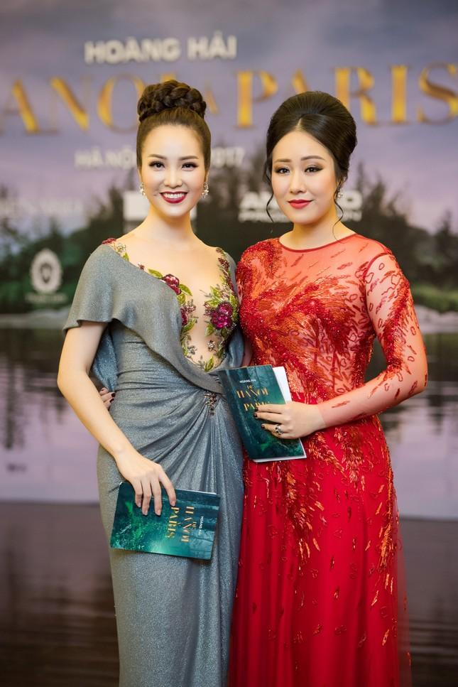 Hoa hậu Ngô Phương Lan được chồng tháp tùng đi làm MC ảnh 6