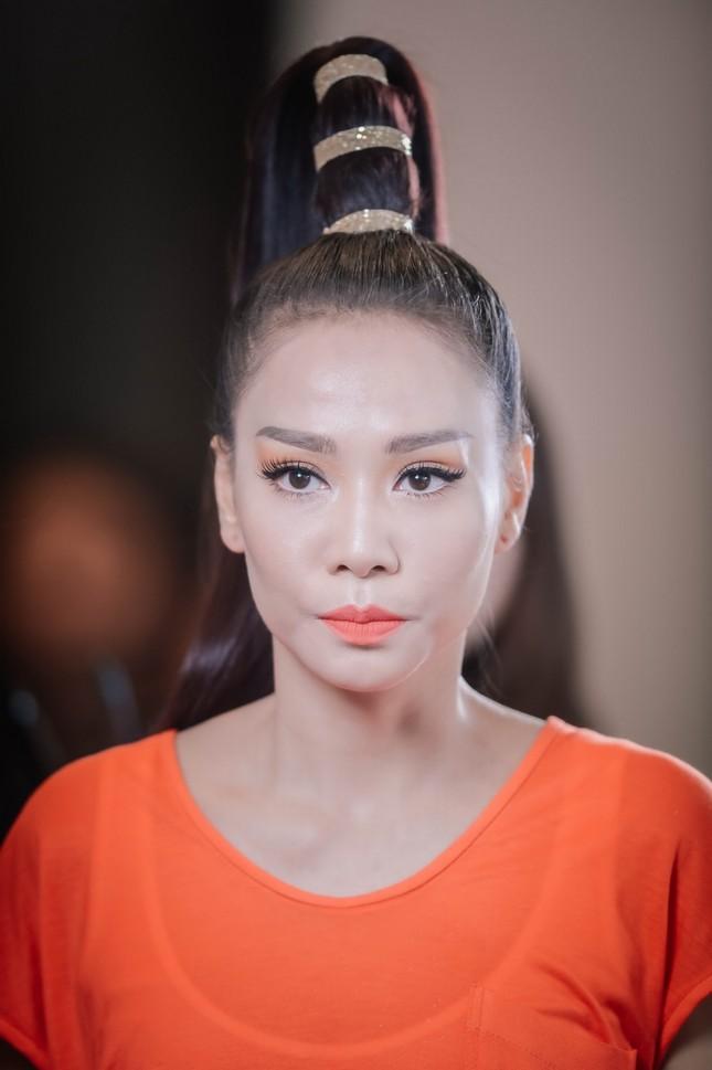MC Lại Văn Sâm, Diễm Quỳnh 'quẩy' hết mình cùng Thu Minh ảnh 1