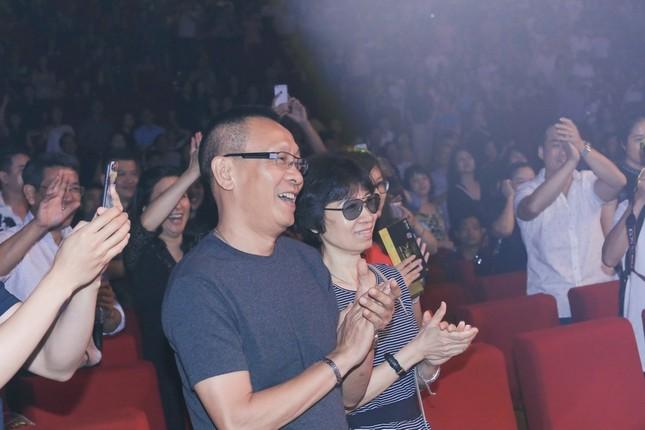 MC Lại Văn Sâm, Diễm Quỳnh 'quẩy' hết mình cùng Thu Minh ảnh 11