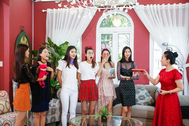 Mẹ chồng Lan Hương khiến thí sinh Next Top sợ khiếp vía ảnh 8