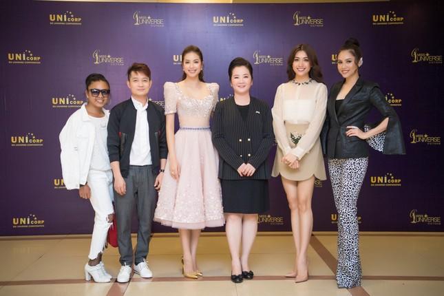 Á hậu Hoàng My về nước làm giám khảo Hoa hậu Hoàn vũ 2017 ảnh 9