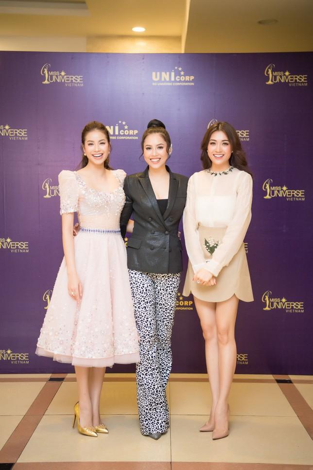 Á hậu Hoàng My về nước làm giám khảo Hoa hậu Hoàn vũ 2017 ảnh 6