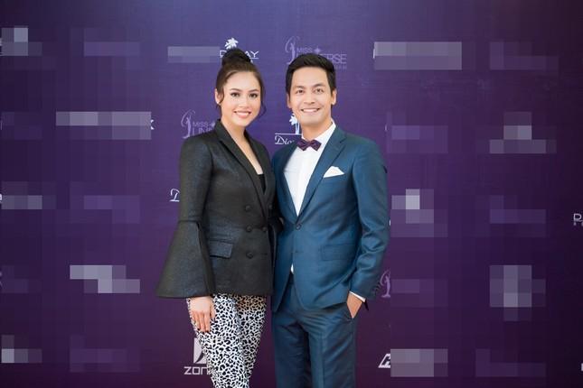 Á hậu Hoàng My về nước làm giám khảo Hoa hậu Hoàn vũ 2017 ảnh 4