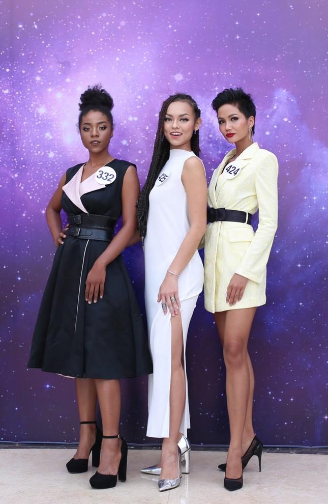 Dàn ứng viên nặng ký xuất hiện trong sơ khảo Hoa hậu Hoàn vũ ảnh 7