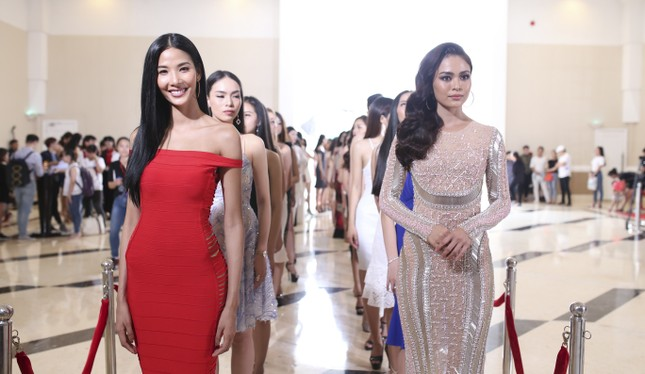 Dàn ứng viên nặng ký xuất hiện trong sơ khảo Hoa hậu Hoàn vũ ảnh 4