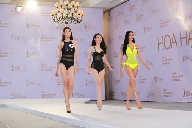 Hoàng Thuỳ, Mâu Thuỷ mặc bikini 'lấn át' dàn thí sinh tại sơ khảo HHHV ảnh 1