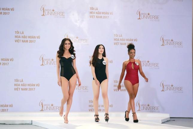 Hoàng Thuỳ, Mâu Thuỷ mặc bikini 'lấn át' dàn thí sinh tại sơ khảo HHHV ảnh 2