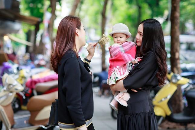 Phan Như Thảo lộ vóc dáng mũm mĩm sau gần 1 năm sinh con gái ảnh 9