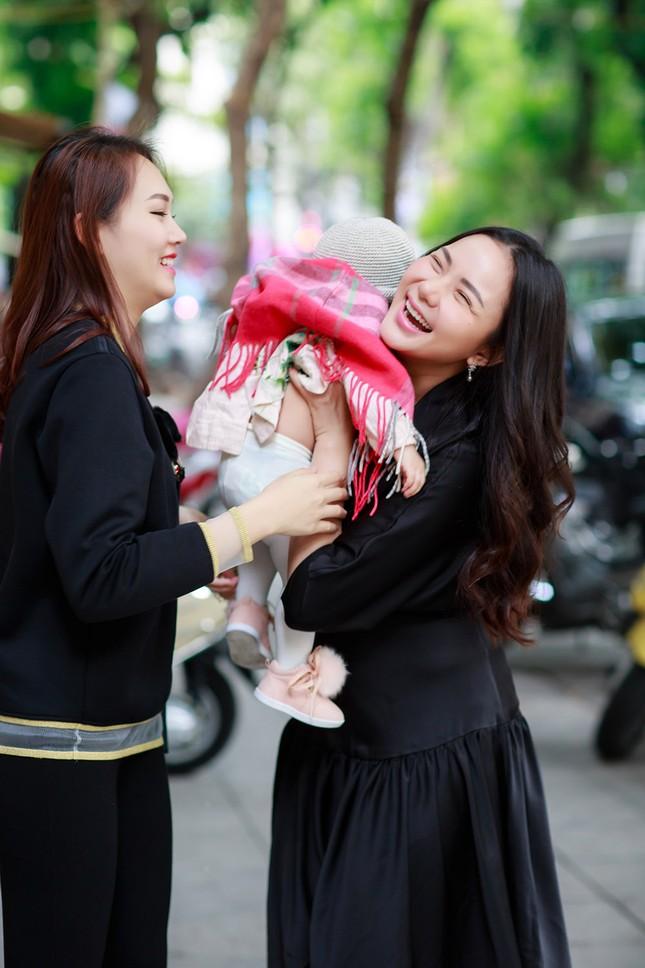Phan Như Thảo lộ vóc dáng mũm mĩm sau gần 1 năm sinh con gái ảnh 2