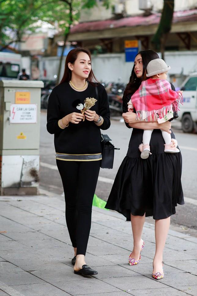 Phan Như Thảo lộ vóc dáng mũm mĩm sau gần 1 năm sinh con gái ảnh 3