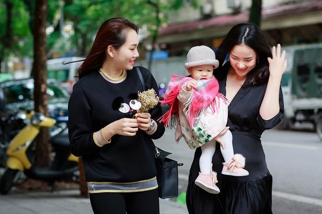 Phan Như Thảo lộ vóc dáng mũm mĩm sau gần 1 năm sinh con gái ảnh 4