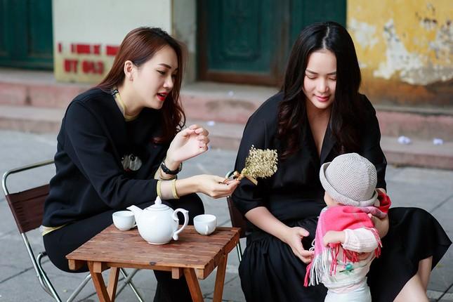 Phan Như Thảo lộ vóc dáng mũm mĩm sau gần 1 năm sinh con gái ảnh 5