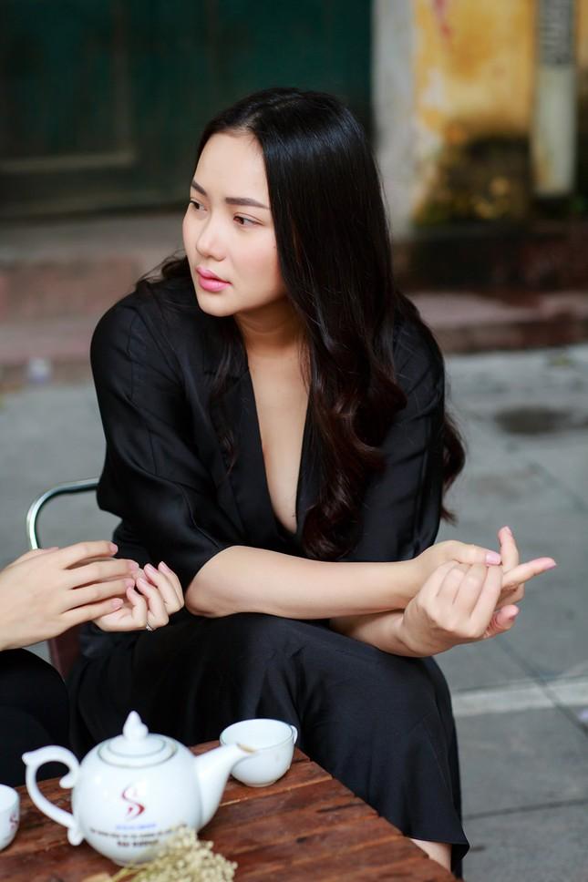 Phan Như Thảo lộ vóc dáng mũm mĩm sau gần 1 năm sinh con gái ảnh 7