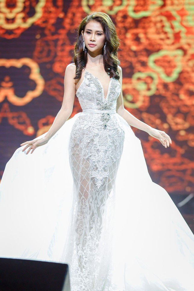 Liên Phương bất ngờ giành ngôi Á hậu 1 Miss Eco Tourism 2017 ảnh 5