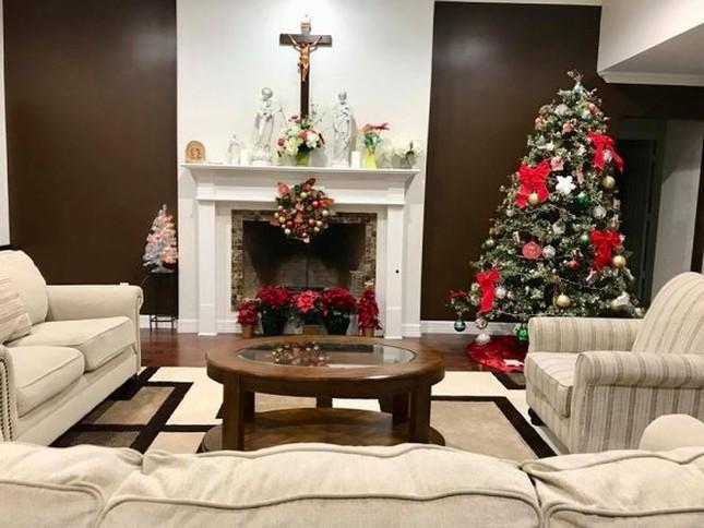 Sao Việt náo nức trang hoàng nhà cửa lộng lẫy đón Giáng Sinh ảnh 12