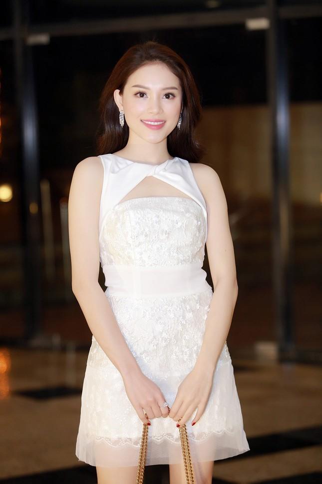 Bà xã Tuấn Hưng mặc váy đuôi cá khoe đường cong nóng bỏng ảnh 7