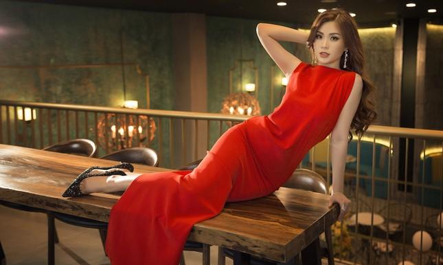 Á hậu, biên tập viên Diễm Trang 'tái xuất' đầy quyến rũ chào tuổi mới ảnh 11