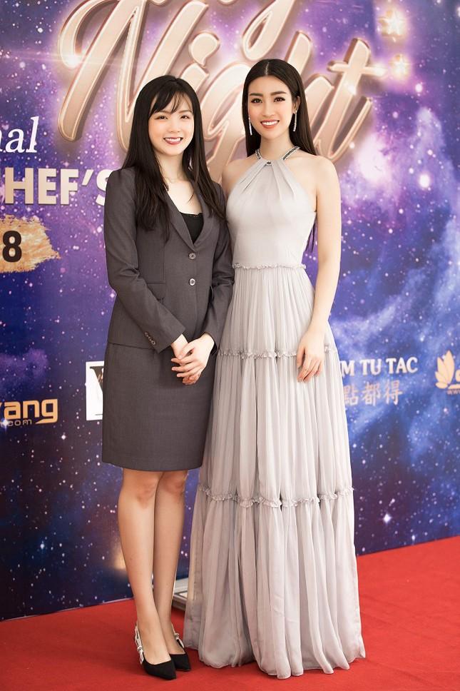 Hoa hậu Mỹ Linh diện váy yếm khoe vóc dáng nuột nà ảnh 4