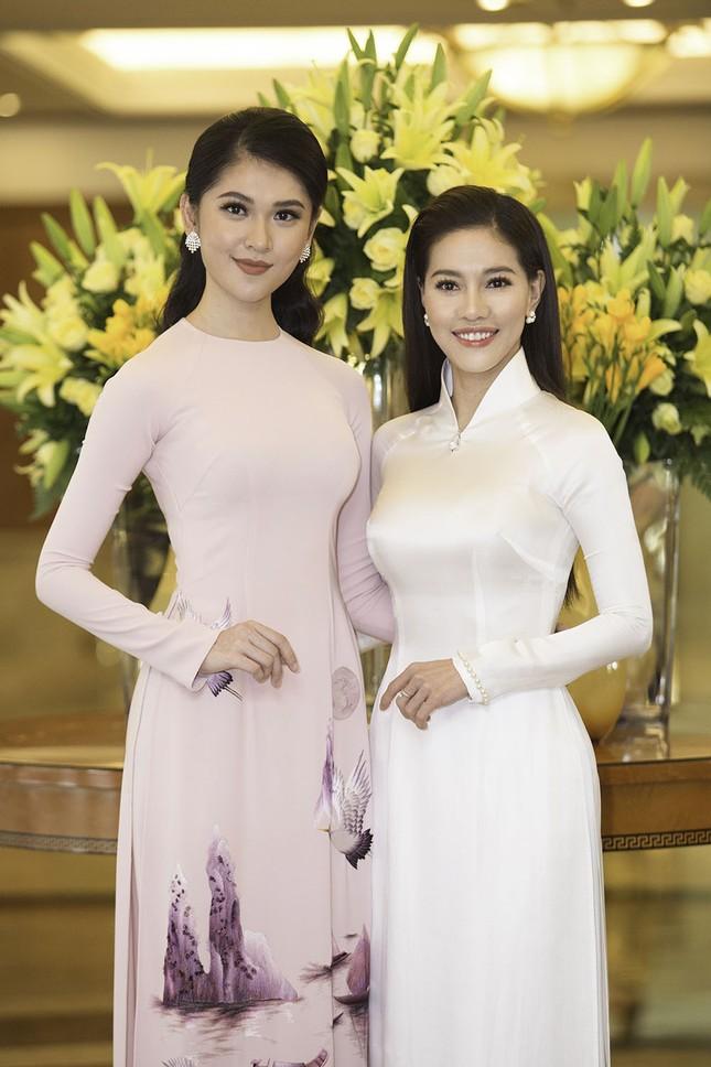 Dàn người đẹp khoe sắc tại buổi họp báo Hoa hậu Việt Nam 2018 ảnh 7
