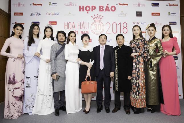 Dàn người đẹp khoe sắc tại buổi họp báo Hoa hậu Việt Nam 2018 ảnh 2