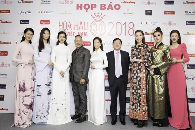 Dàn người đẹp khoe sắc tại buổi họp báo Hoa hậu Việt Nam 2018 ảnh 3