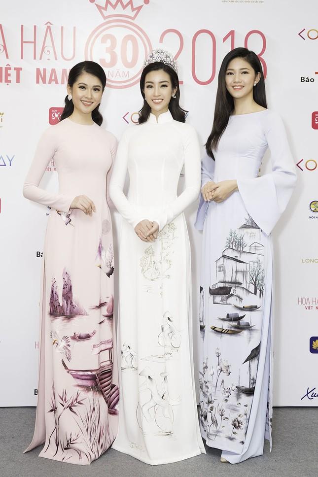 Dàn người đẹp khoe sắc tại buổi họp báo Hoa hậu Việt Nam 2018 ảnh 5