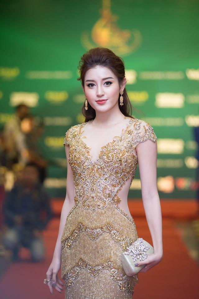 Á hậu Huyền My, Thanh Tú đọ nhan sắc 'nữ thần' trên thảm đỏ ảnh 2