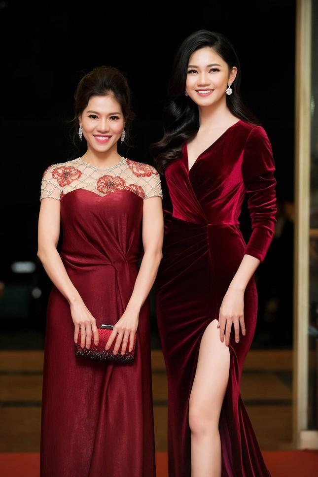 Á hậu Huyền My, Thanh Tú đọ nhan sắc 'nữ thần' trên thảm đỏ ảnh 10
