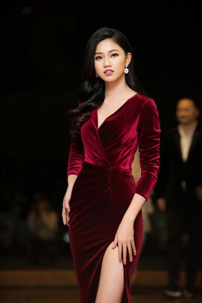 Á hậu Huyền My, Thanh Tú đọ nhan sắc 'nữ thần' trên thảm đỏ ảnh 7