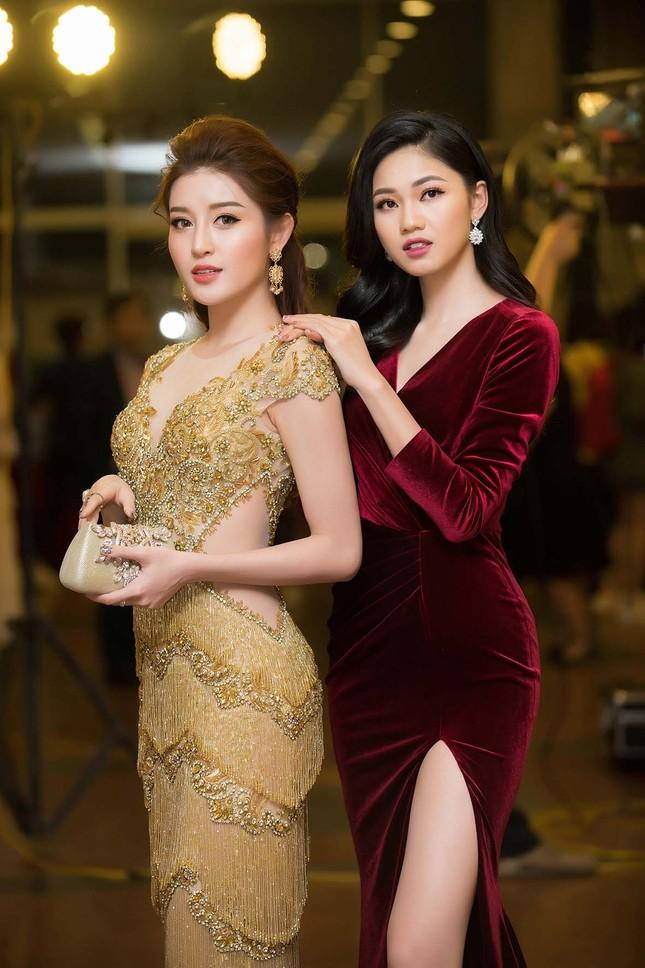 Á hậu Huyền My, Thanh Tú đọ nhan sắc 'nữ thần' trên thảm đỏ ảnh 6