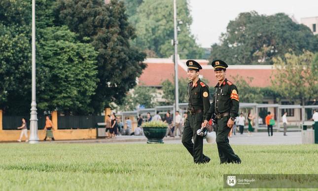 Tâm sự của chiến sĩ trong đội trực gác Lăng Bác ảnh 6