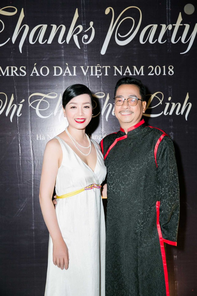 MC Phan Anh và dàn sao dự tiệc chúc mừng HH Áo dài Phí Thuỳ Linh ảnh 5