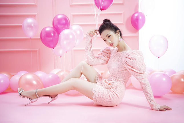 Á hậu Thuý An gợi cảm đón tuổi mới, hé lộ sẽ dự thi quốc tế ảnh 3