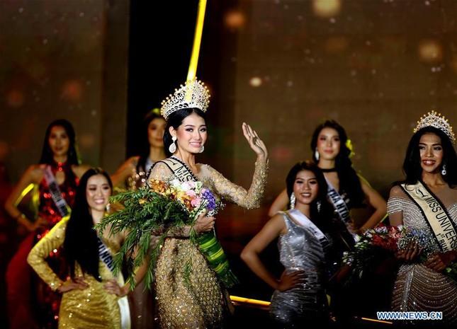 Lộ diện thêm dàn đối thủ quyến rũ, tài năng của Hoàng Thuỳ ở Miss Universe 2019 ảnh 8