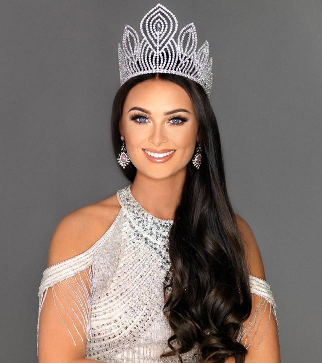 Lộ diện thêm dàn đối thủ quyến rũ, tài năng của Hoàng Thuỳ ở Miss Universe 2019 ảnh 7