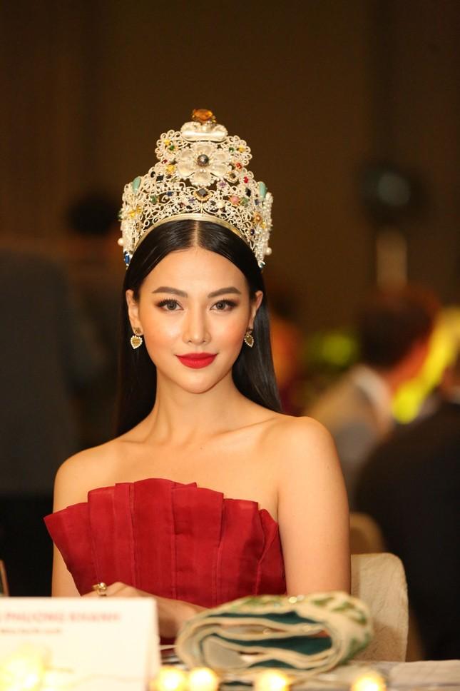 Hoa hậu Phương Khánh nóng bỏng với sắc đỏ dự chung kết Miss Earth Singapore 2019 ảnh 6