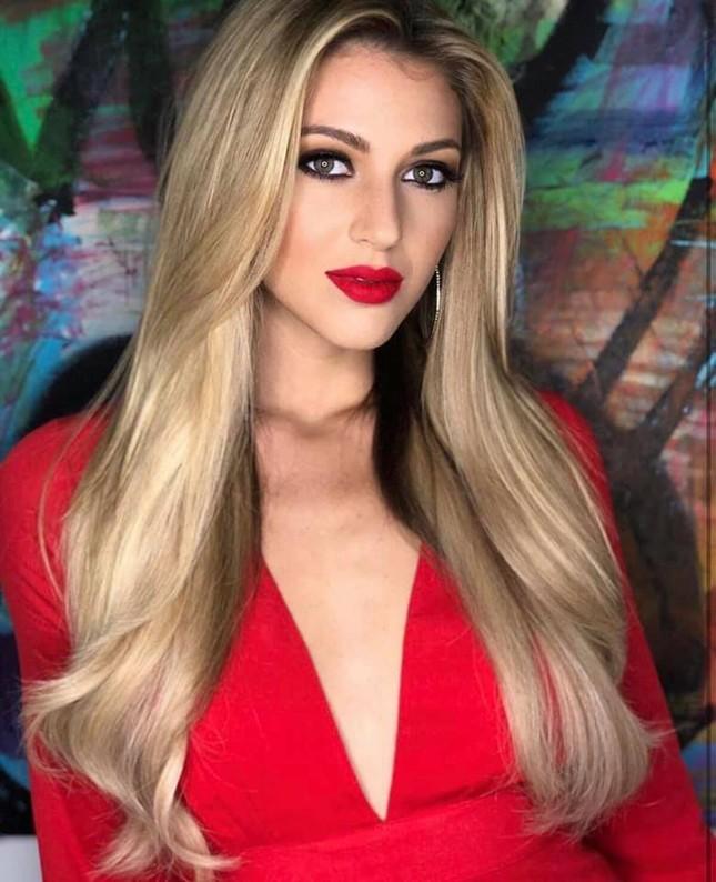 Lộ diện thêm nhan sắc 'cực phẩm' là đối thủ của Hoàng Thuỳ ở Miss Universe 2019 ảnh 9