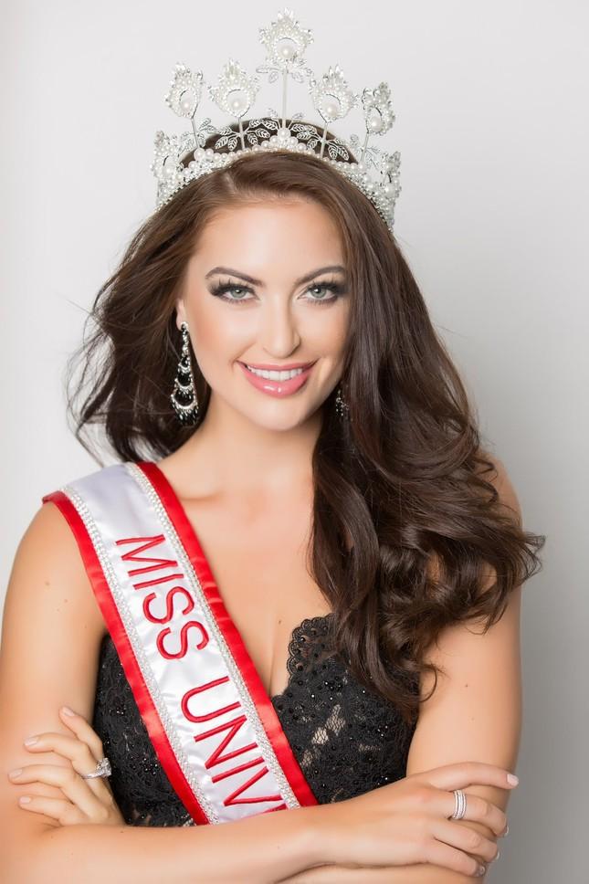 Hoa hậu hoàn vũ Canada dự đoán Hoàng Thuỳ đăng quang Miss Universe 2019 ảnh 1