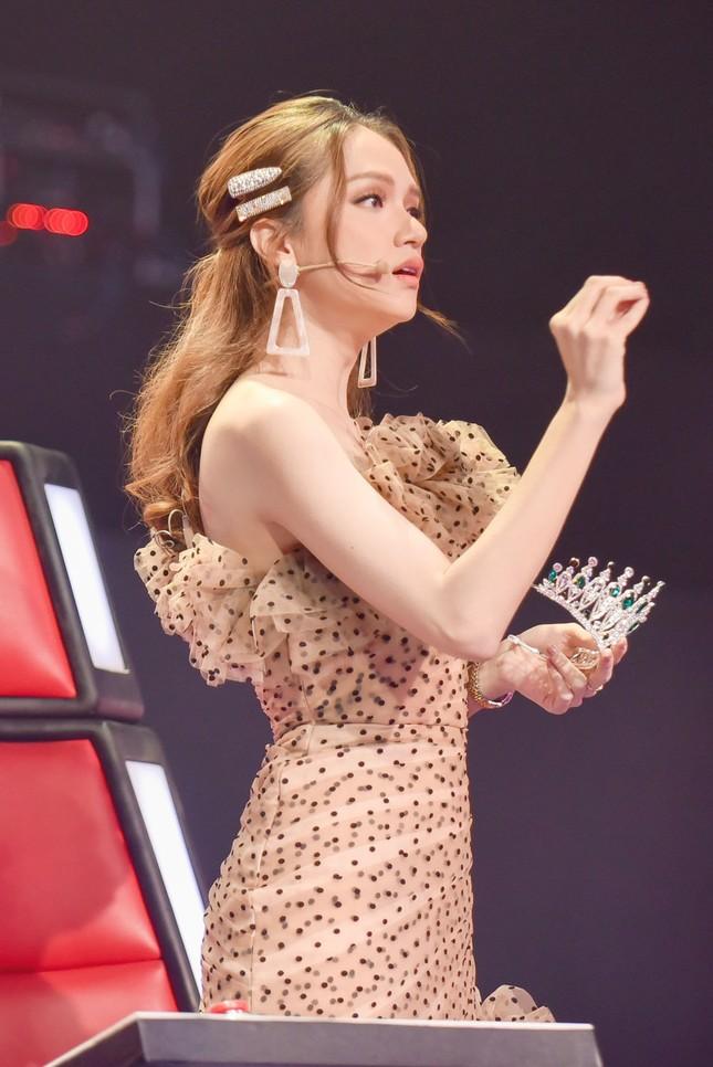 Hương Giang tuyên bố gây sốc: Hoa hậu mà còn hát hay chỉ có mình tôi ở Việt Nam ảnh 9
