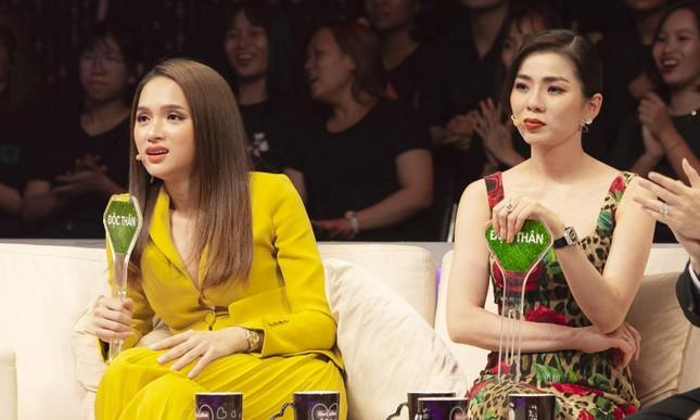 Lệ Quyên, Hương Giang Idol tranh cãi trên sóng truyền hình về 'người thứ ba' ảnh 4