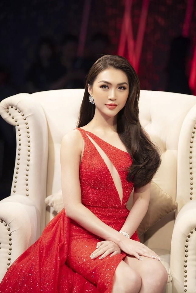 Lệ Quyên, Hương Giang Idol tranh cãi trên sóng truyền hình về 'người thứ ba' ảnh 5
