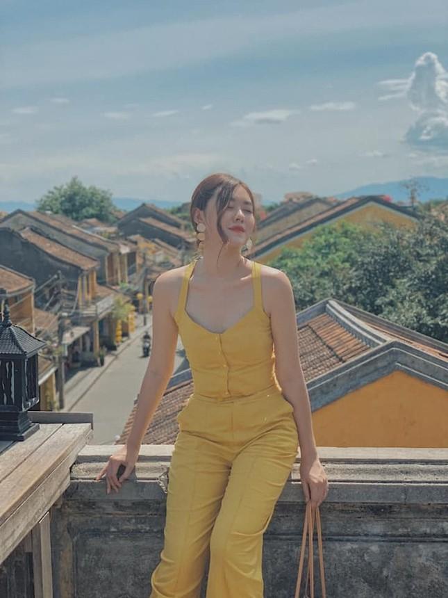 Gu thời trang sang chảnh 'vạn người mê' của Á hậu Miss World VN Nguyễn Tường San ảnh 5