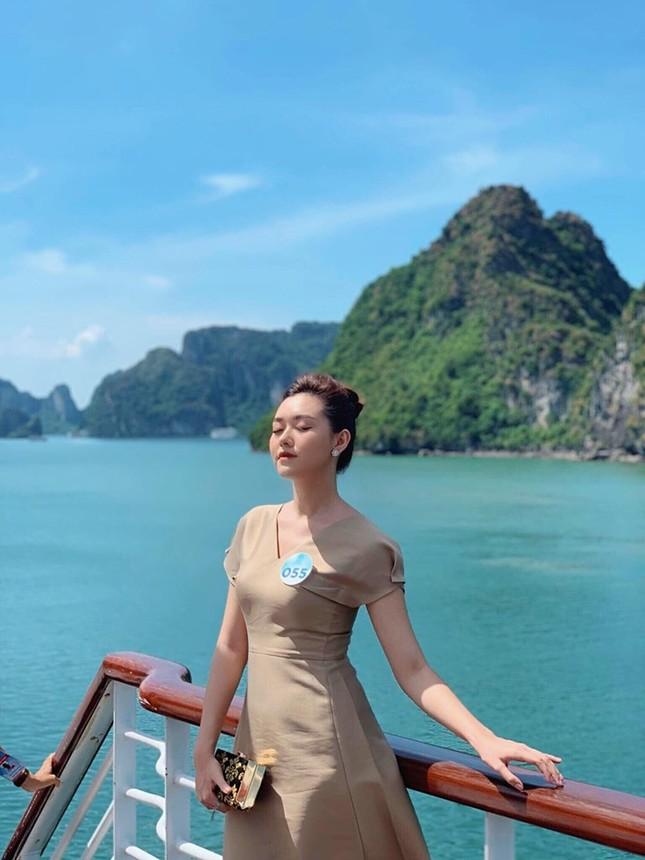Gu thời trang sang chảnh 'vạn người mê' của Á hậu Miss World VN Nguyễn Tường San ảnh 10