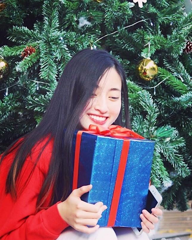 Mặt mộc xinh đẹp của Hoa hậu thế giới Vietnam Lương Thuỳ Linh ảnh 11
