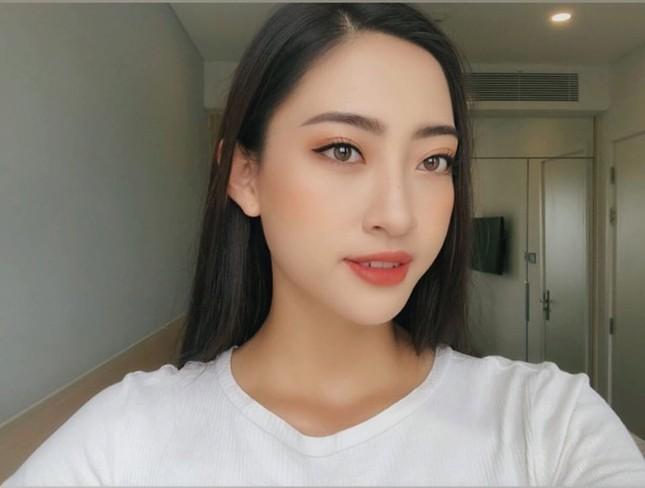 Mặt mộc xinh đẹp của Hoa hậu thế giới Vietnam Lương Thuỳ Linh ảnh 4