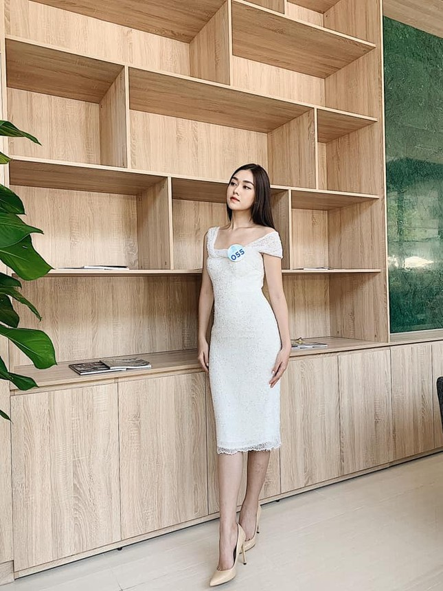 Gu thời trang sang chảnh 'vạn người mê' của Á hậu Miss World VN Nguyễn Tường San ảnh 3